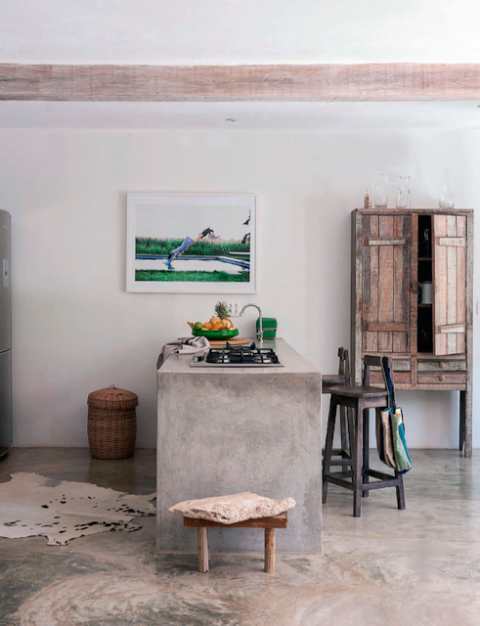 Concrete bar Photo by Matthew Williamson via [http://mechantdesignblogspotfr/2013/06/brazil-summer-househtml]