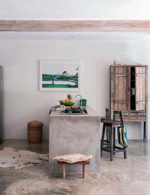 Concrete bar Photo by Matthew Williamson via [http://mechantdesignblogspotfr/2013/06/brazil-summer-househtml]