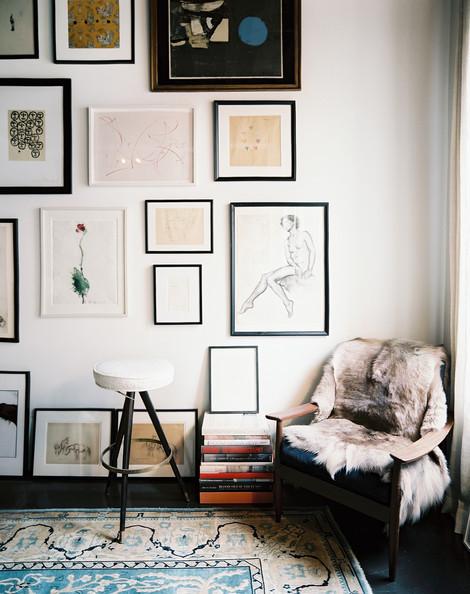 Julia Leach via Lonny Magazine [http://www.lonny.com/House+Tour+Julia+Leach/articles/lzI39fArFMQ/Nesting+Corner]