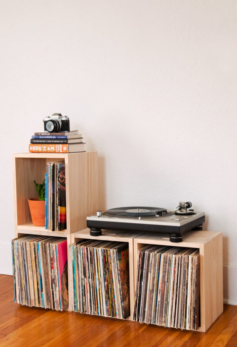 how-to-stacking-storage-crates-vinyl-records-feature-2original.jpg