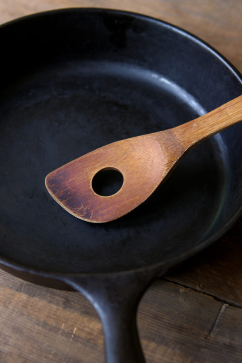 best-value-cast-iron-skillet-102original.jpg