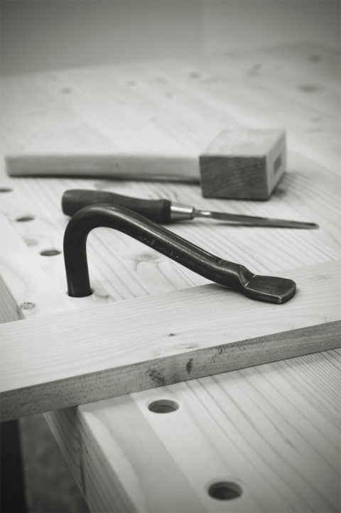 how-to-drill-vertical-workbench-dog-holes-feature-2original.jpg