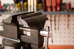 How to Install and Mount a Vise without Drilling Holes in Your Workbench