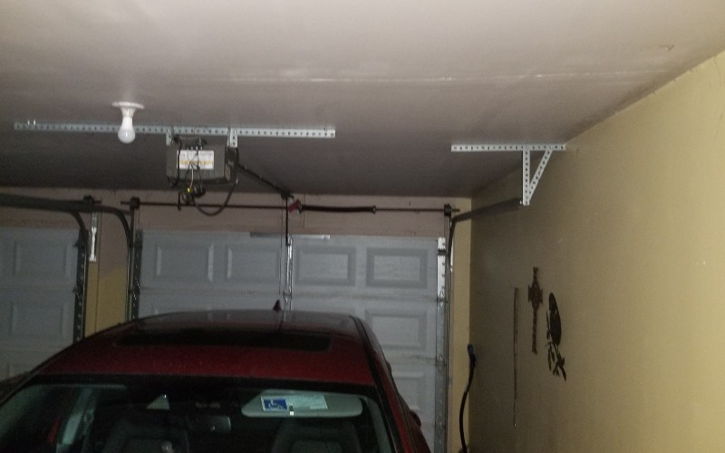 garage door and an suv