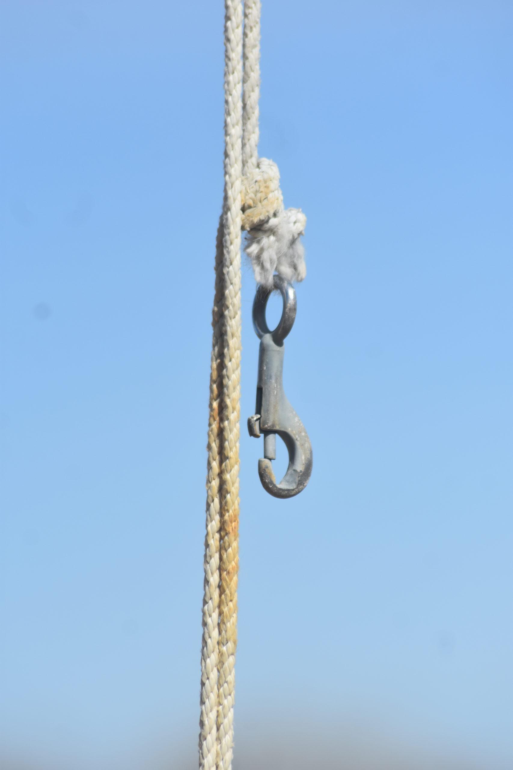 flagpole clasp