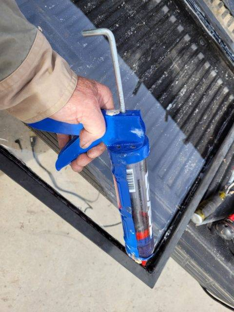 windshield sealant calking gun
