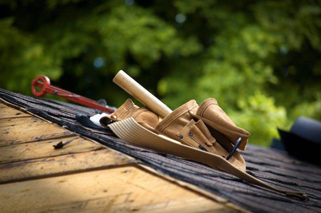 tool belt on a roof